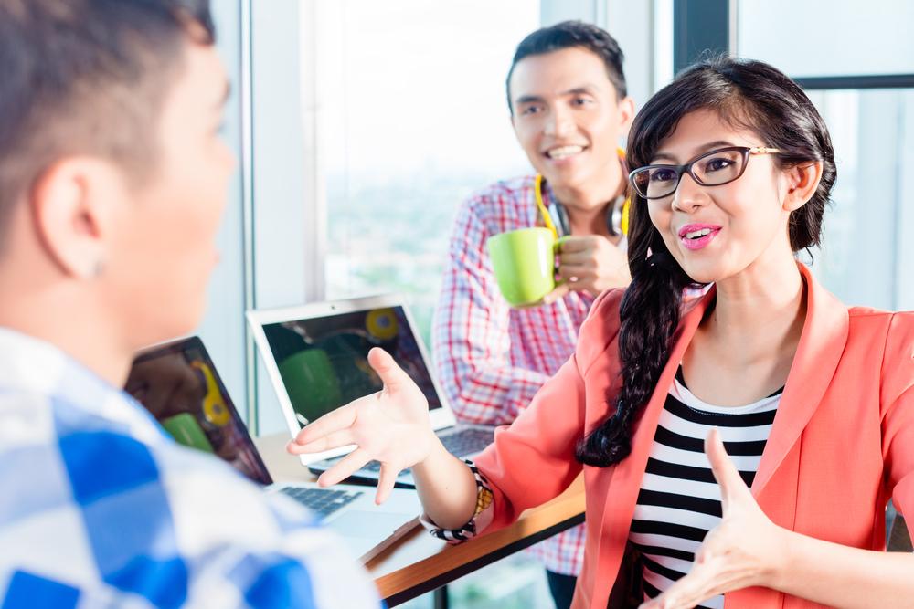 mempertahankan karyawan millenial